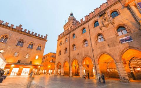 Bologna piazza Maggiore